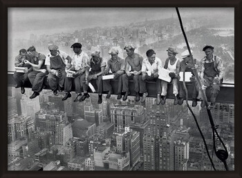 Oprawiony plakat Lunch on a skyscraper